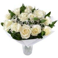 15 белых роз Белоснежка